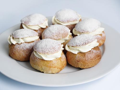 these buns were sensational swedish cinnamon cardamom buns swedish ...