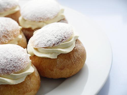 Semlor (Swedish Cardamom Buns) | LondonEats